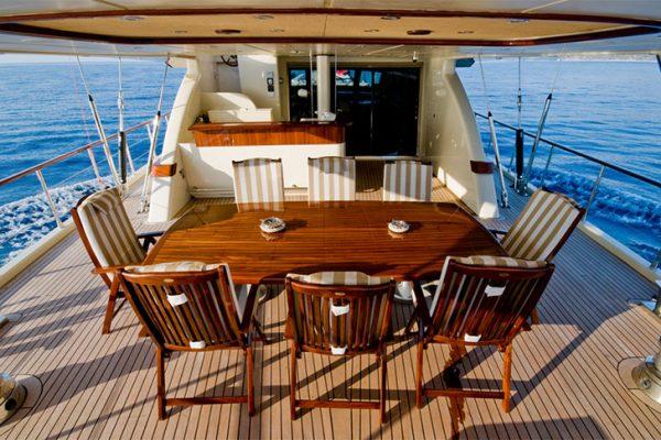 Ремонт деревянных яхт
